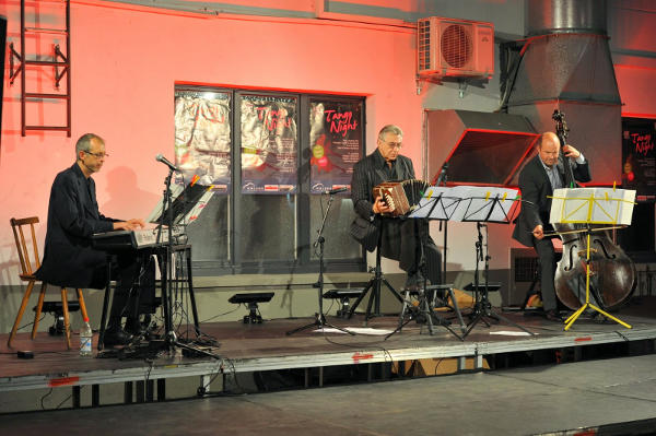 autohaus-holzer-tango-2014-1